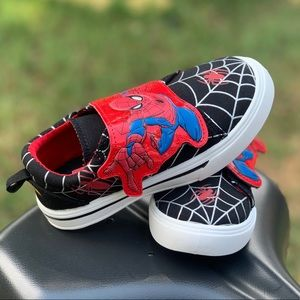 Spider-Man Toddler Boys' Casual Sneaker Kid Shoes